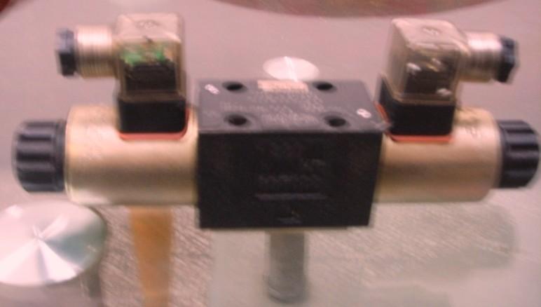 德国哈威RH2调节阀大量现货/HAWE调速阀在调节理论的术语中,调节阀既有静态特性,又有动态特性,因而它影响整个控制回路成败。静态特性或增益项是阀的流量特性,它取决于阀门的尺寸、阀芯和阀座的组合结构、执行机构的类型、阀门定位器、阀前和阀后的压力以及流体的性质。第5章中将详细地介绍这些内容。